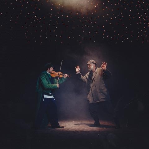 Skrzypek na dachu / reż. Jan Szurmiej / fot. Stefan Okołowicz / na zdjęciu Krzysztof Gosztyła