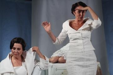 One same / reż.Karolina Kirsz / fot. M.Kuc / na zdjęciu Ewa Dąbrowska i Ernestyna Winnicka