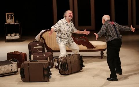 """""""Ruchele wychodzi za mąż"""" Savyon Liebrecht w reżyserii Jacka Papisa na deskach Teatru Żydowskiego w Warszawie."""