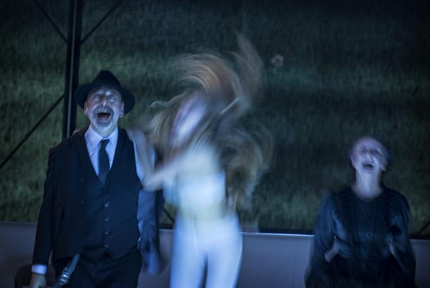 Dybuk / reż. maja Kleczewska / fot. M.Hueckel / na zdjęciu Marek Węglarski, Magdalena Koleśnik i Joanna Przybyłowska