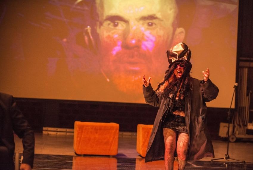 Golem / reż. Maja Kleczewska / na zdjęciu Jerzy Walczak (na ekranie) i Malga Kubiak