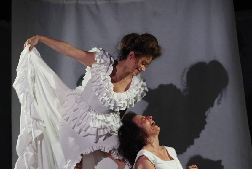 One same / reż.Karolina Kirsz / fot. M.Kuc / na zdjęciu Sylwia Najah i Ewa Greś