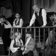 Kamienica na Nalewkach. Widowisko muzyczne w reżyserii Gołdy Tencer. Spektakl Teatru Żydowskiego w Warszawie.