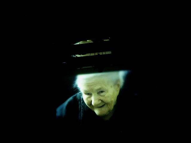 Mur / reż. Maciej Wojtyszko / fot. J.Paliwoda / na zdjęciu Irena Sendler