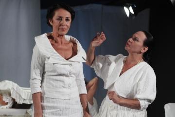One same / reż.Karolina Kirsz / fot. M.Kuc / na zdjęciu Ernestyna Winnicka i Alina Świdowska