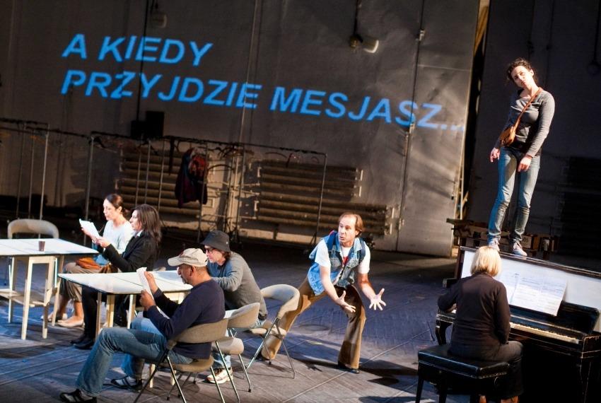 1666 / reż. Michał Zadara / fot. K.Bieliński / scena zbiorowa