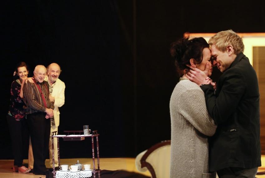 Ruchele wychodzi za mąż / reż. Jacek Papis / fot. M.Kuśmierz / scena zbiorowa